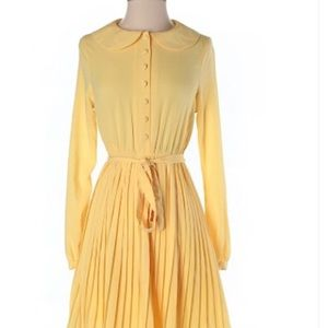 Yellow vintage style dress.   Size small